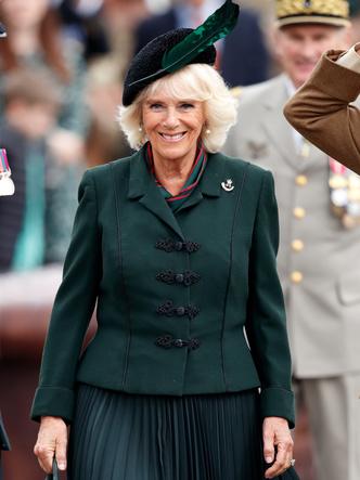 Фото №28 - Одним цветом: как королевские особы носят монохромные образы— 30 вдохновляющих примеров