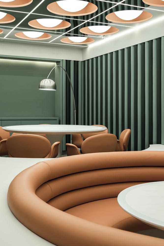 Фото №9 - Ресторан в стиле ретрофутуризма