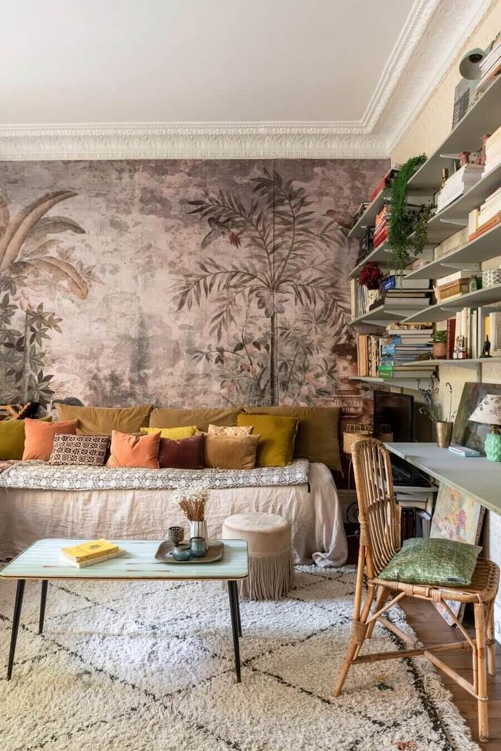 Фото №2 - Маленькая квартира с цветочными мотивами в Париже