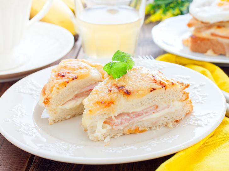 Фото №5 - Тосты на завтрак: 7 восхитительных и быстрых рецептов для всей семьи