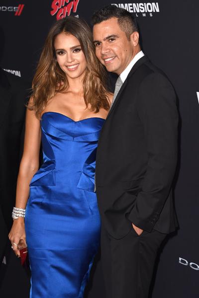 Джессика Альба с мужем Кэшем Уорреном