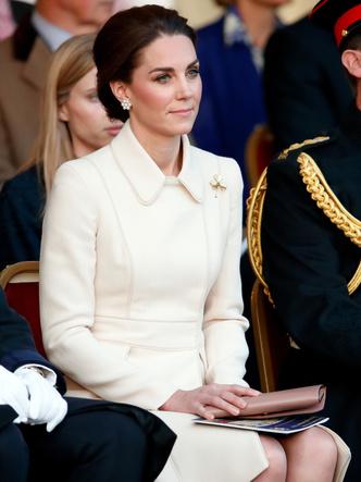Фото №2 - Особый прием: что помогает Кейт успокоиться во время официальных выходов