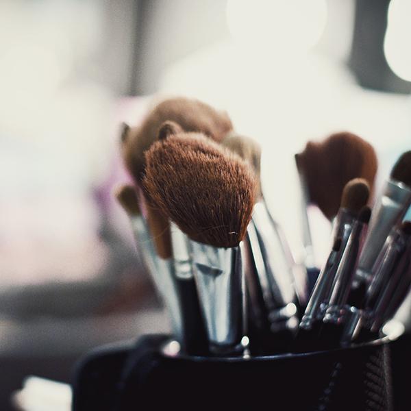 Фото №4 - Срок годности: 9 способов, как нельзя хранить косметику