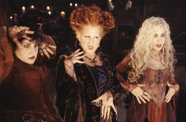 Фото №1 - Настроение «Хэллоуин»: 7 добрых страшилок для тех, кто не любит ужастики