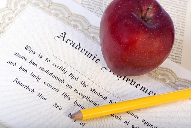 Хороший диплом, безусловно, помогает построить успешную карьеру, однако исключений из этого правила едва ли не больше, чем тех, кто этому правилу соответствует.
