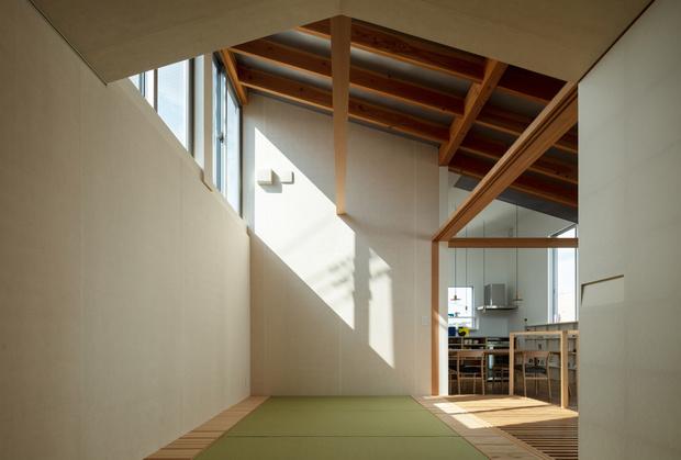 Фото №7 - Современный дом с атриумом в Японии