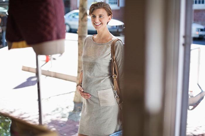 Фото №1 - Беременна и прекрасна: советы по выбору одежды для будущей мамы