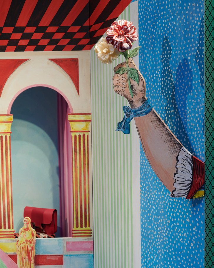 Фото №3 - Лука Никетто оформил витрины миланского бутика Hermès
