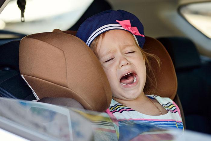 Фото №2 - Несносный пассажир: как вести себя с ребенком в машине