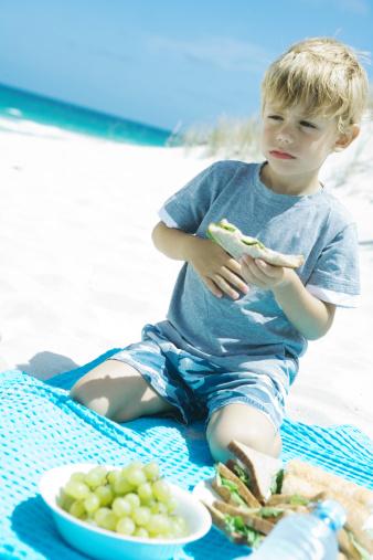 Пищевое отравление - «лидирующая» проблема в период отпусков