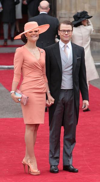Фото №2 - Новые правила: как изменился стиль гостей на королевских свадьбах за последние 10 лет