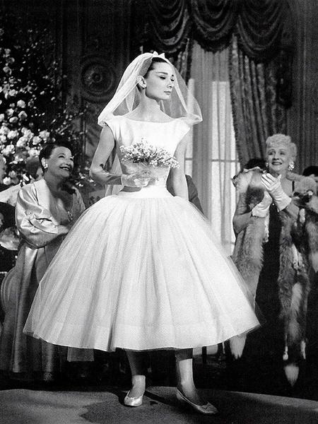Фото №6 - 10 самых красивых свадебных платьев в истории кино