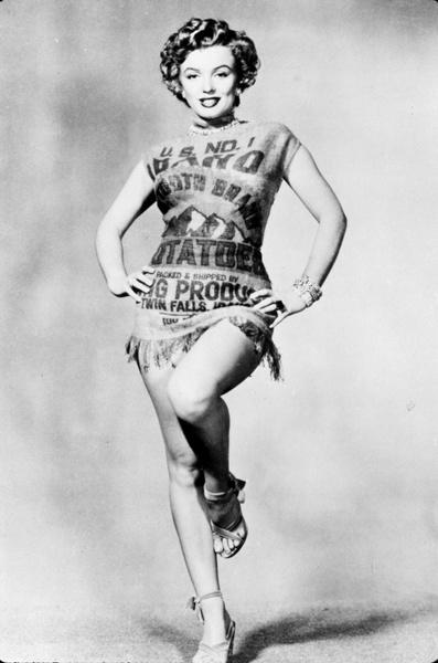 Фото №5 - Крошка-картошка: история самого странного наряда Мэрилин Монро