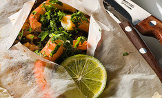 Рыба, запеченная с грибами и креветками