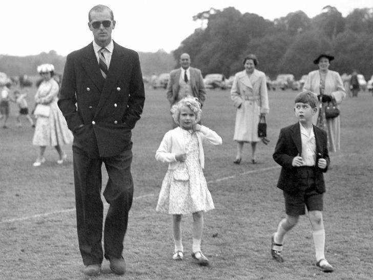 Фото №4 - Папина дочка: самые трогательные совместные фото принцессы Анны и принца Филиппа