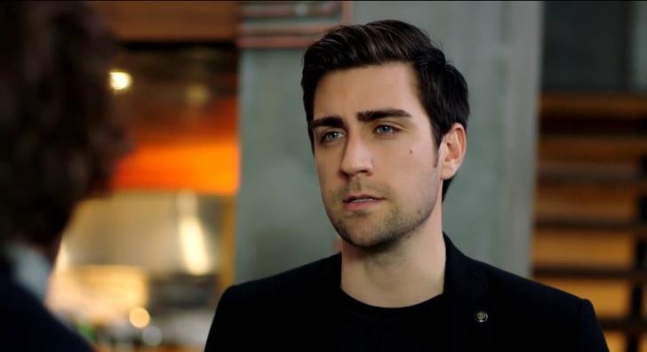 Фото №5 - Осторожно, горячо: самые сексуальные красавчики из турецких сериалов 🔥