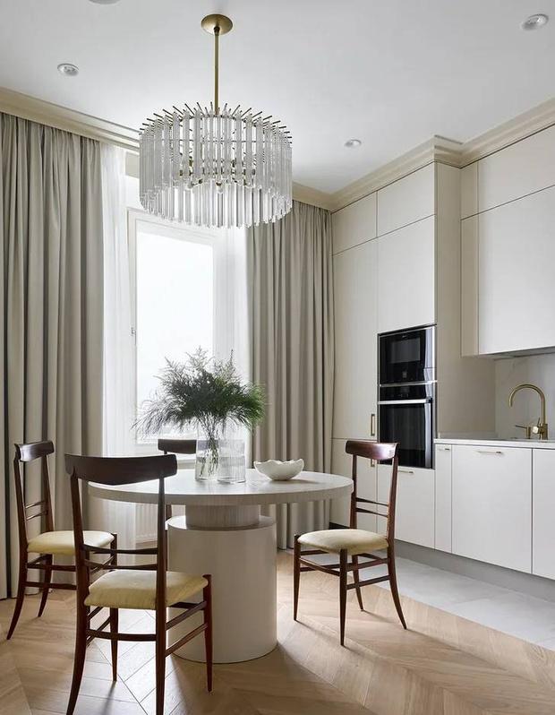 Фото №4 - Элегантный монохромный интерьер квартиры 85 м²