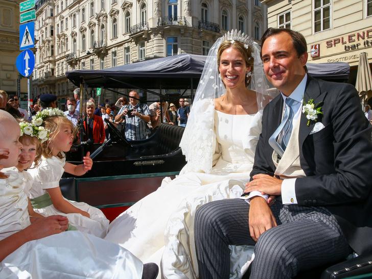 Фото №4 - Платье из сказки и роскошная тиара: как прошла свадьба принцессы Лихтенштейна