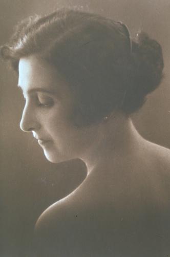 Фото №4 - 12 правил долгой и счастливой жизни от француженки Жанны Кальман, дожившей до 122 лет
