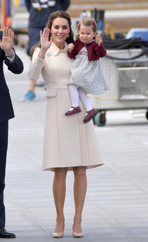 Фото №18 - Гардероб на миллион: самые дорогие наряды герцогини Кейт