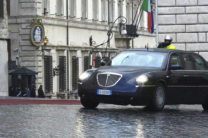 Фото №3 - Необычные автомобили, на которых передвигаются главы государств