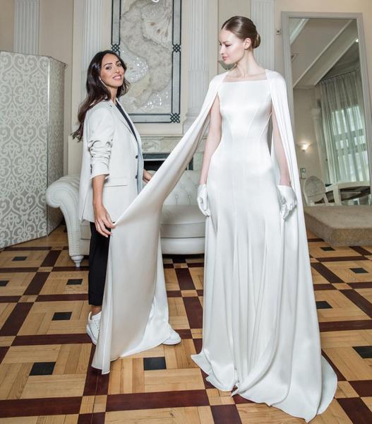 Фото №1 - На фоне слухов о разводе Алсу представила свадебное платье собственного дизайна