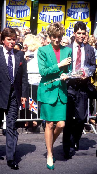 Фото №12 - Любимый предмет гардероба: как принцесса Диана носила жакеты и блейзеры— 30 вдохновляющих примеров
