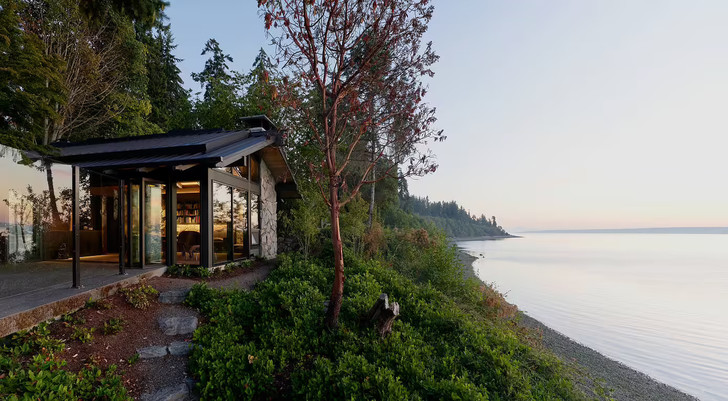 Фото №2 - Реконструированный дом 1960-х на острове
