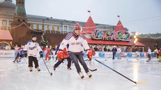Фото №7 - Новогоднее настроение ON! 🎅28 ноября открывается ГУМ-Каток на Красной площади