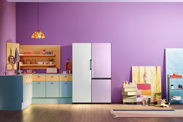 Фото №1 - Samsung представляет обновленную линейку интерьерных холодильников Bespoke в России
