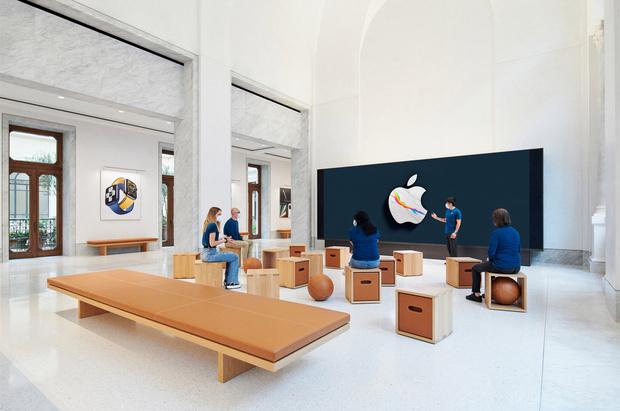 Фото №10 - Новый бутик Apple в Риме по проекту Foster + Partners