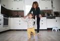 Родители — дети: 8 шагов к самостоятельности
